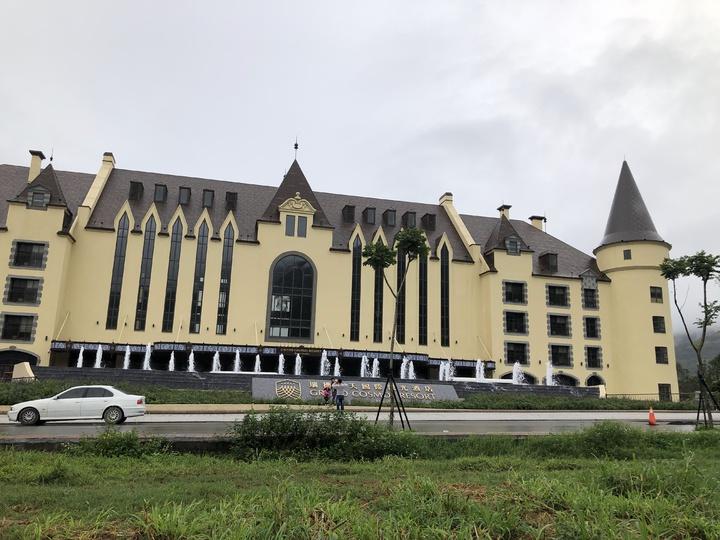 天成飯店集團斥資60億元、在花蓮瑞穗打造的「瑞穗春天國際觀光酒店」,已成為花東地區度假旅遊新地標。記者宋健生/攝影