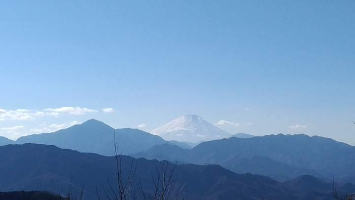 在標高599公尺的高尾山山頂,有機會以肉眼眺望富士山。記者楊德宜/攝影