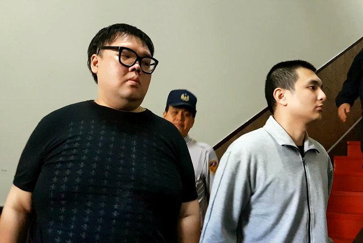 涉W飯店命案的朱家龍(左)與聖晏(右)仍在羈押中,他們表示有和死者家屬和解的意願,但提出的數額不為對方所接受。記者王宏舜/攝影