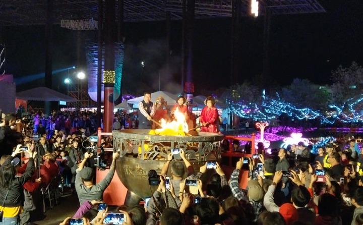 「歡樂宜蘭年」除夕守歲活動今年移師羅東文化工場舉辦,吸引4萬多人次,並沒有比往年少。記者戴永華/攝影