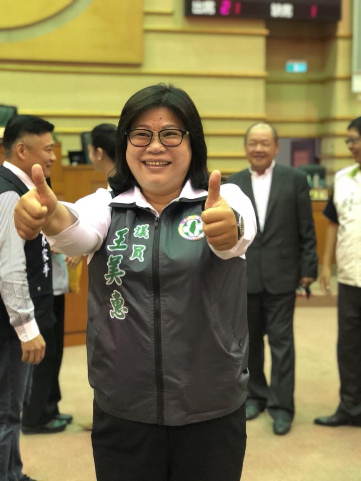 民進黨籍市議員王美惠說,嘉義市議會的風氣認真有口碑,問政就事論事,不看顏色。記者王慧瑛/攝影