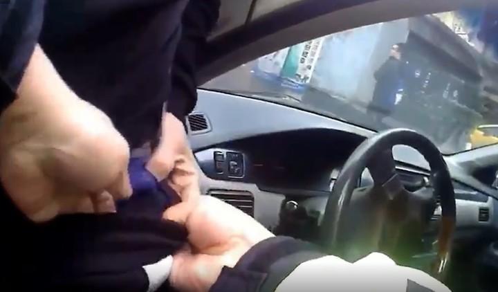 高姓男子有多次毒品前科,前天他因開一名被通緝友人的車在市區行駛,被警察發現有異攔查後,他身上藏有的安非他命毒品才曝光被逮。圖/警方提供