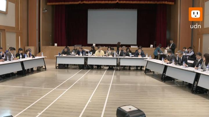 桃園市機師職業工會今天(14日)與華航展開第四次協商,經過2個多小時協商後達成4點共識。記者黃純益/攝影