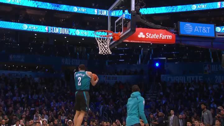 2019灌籃大賽- Mikal Bridges著Larry Johnson球衣灌籃
