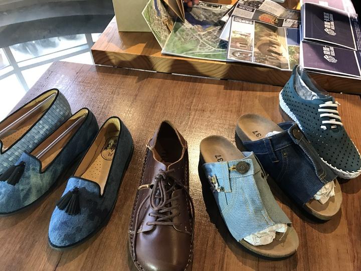 市長林右昌說,宋之凡的手工鞋是現在人家來基隆指定買的鞋子,曾來看過產博會的民眾,都很喜歡他的鞋子,宋之凡今年創立品牌,他的鞋就叫「凡人與路-Daily Shoes」。記者吳淑君/攝影