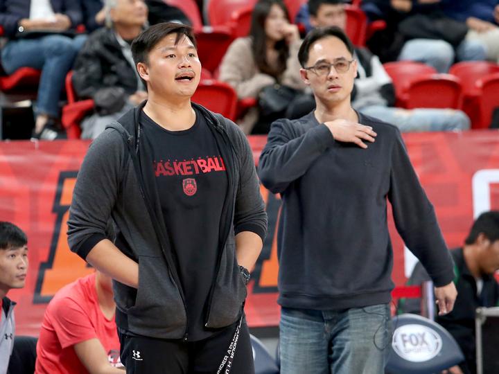 青年教頭鄧安誠(左)和許智超都出在南山高中。記者余承翰/攝影