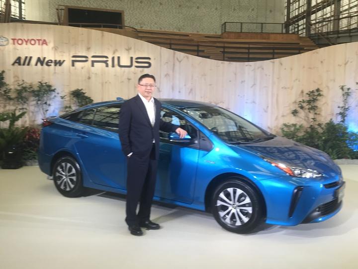 TOYOTA總代理和泰汽車今(19)日正式發表日本原裝進口全新改款PRIUS,將由去年1,200的年販量增至2,000台,全品牌油電車將達2.4萬台,並成今年最大亮點。