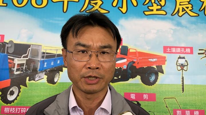 農委會主委陳吉仲説明進口是補足短期缺蛋缺口。記者吳淑玲/攝影