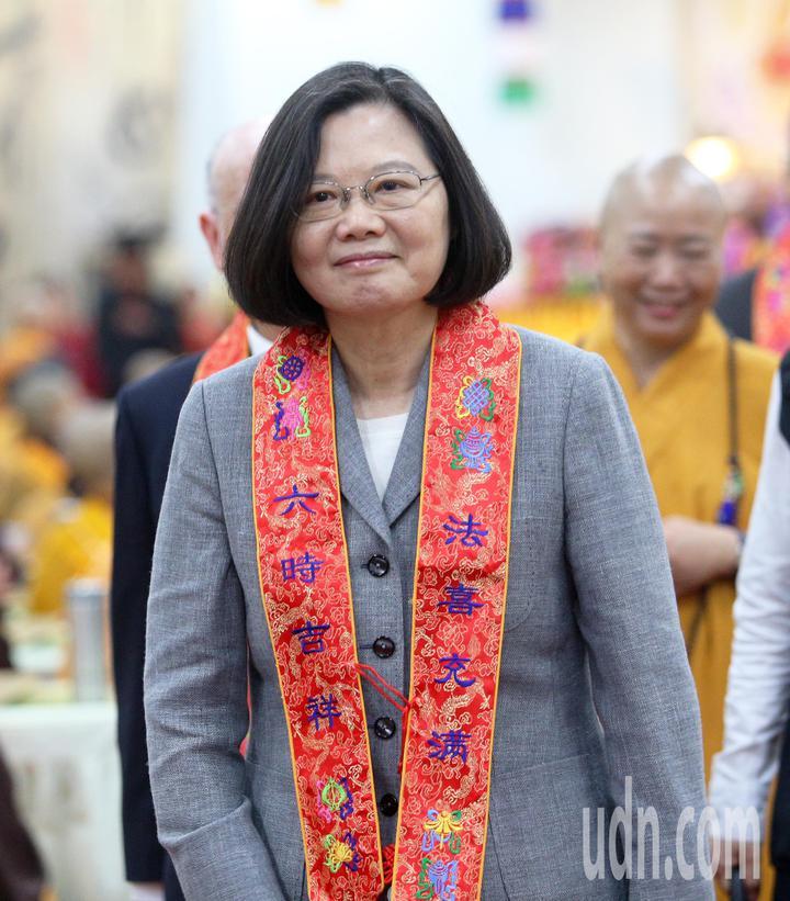 中國佛教會今天在高市阿蓮區光德寺舉辦護國息災祈福法會,蔡英文總統應邀出席。記者劉學聖/攝影