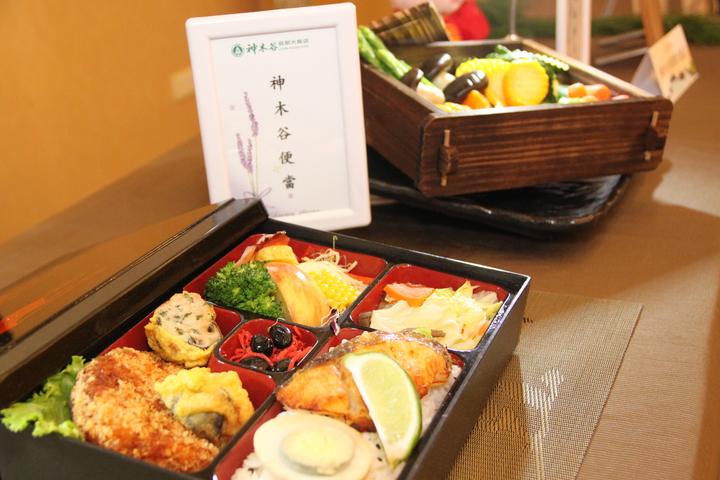 台中市神木谷假期大飯店除了溫泉好,還推出精緻的餐點,歡迎民眾前往。記者黃寅/攝影