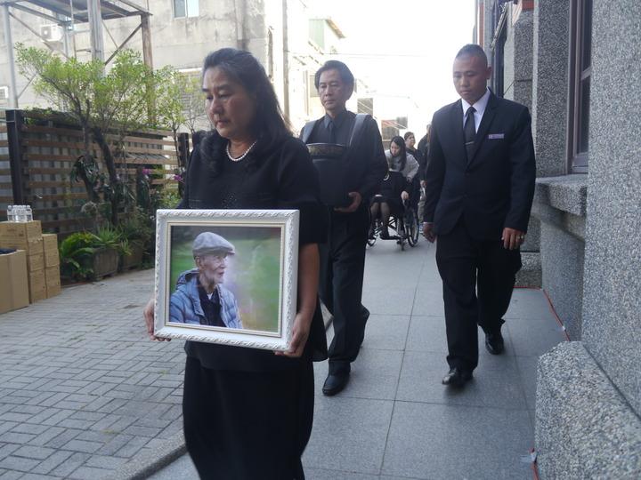 基督教長老教會前總幹事高俊明辭世,家人今天在海埔教會舉辦追思會。記者徐白櫻/攝影