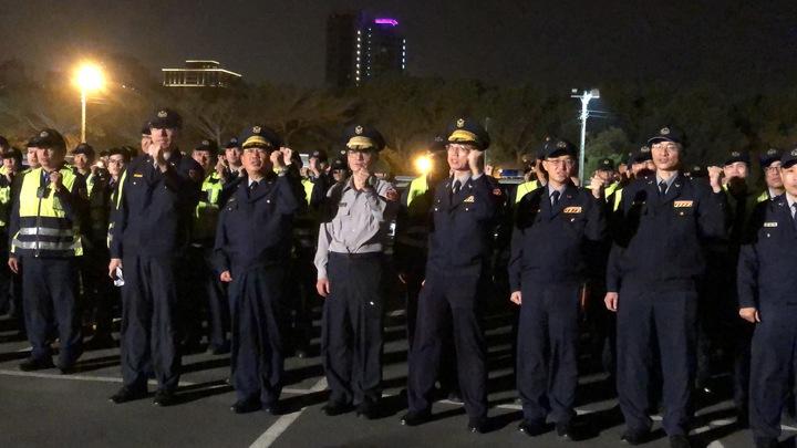 「南警取締酒駕不手軟!」台南市警局副局長林金郎及同仁宣示掃蕩酒駕的決心。記者邵心杰/攝影