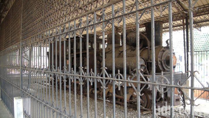 被關了40多年的21號阿里山林鐵蒸汽火車頭,終於要出來奔馳在軌道上。 記者謝恩得/攝影