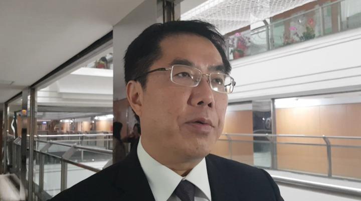 台南市長黃偉哲針對賴清德決定出來登記參選總統表示,他不認為賴清德積極輔選郭國文是為了要選總統,應該是為了國家、為了黨。記者修瑞瑩/攝影