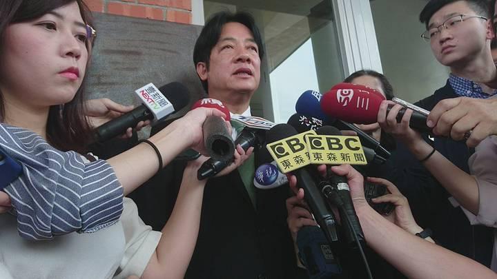 賴清德今天在宜蘭說,他擔任市長是以拚經濟為優先,擔任行政院長也是同樣的理念,改善台灣的投資環境,加薪減稅,鬆綁法令,一連串的作為,都是以拚經濟為優先,未來有機會擔任台灣總統的話,拚經濟絕對是國家最重要的政策。記者羅建旺/攝影