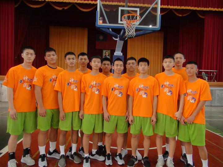 台中市神岡國中籃球隊105年成立,成軍3年來首次闖進JHBL國中籃球聯賽8強。記者余采瀅/攝影
