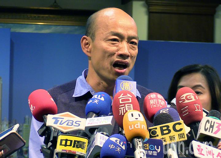 高雄市長韓國瑜說明明天大陸行程會以經濟為主要考量。記者劉學聖/攝影