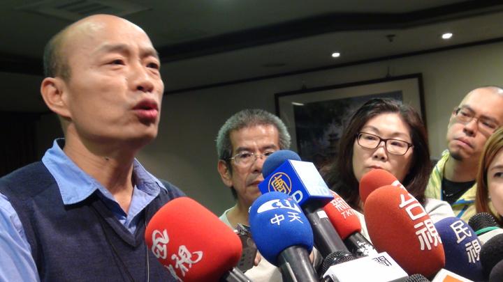 高雄市長韓國瑜出國在即,他說,平常心,且這次定位非常清楚,「經濟之旅」、「情感之旅」!記者謝梅芬/攝影
