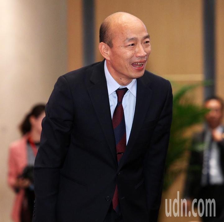 高雄市長韓國瑜出訪港、澳與大陸南方沿海城市拚訂單,韓國瑜今前進澳門,再度簽下農業大單共簽27份訂單,價值7.3億。記者劉學聖/攝影