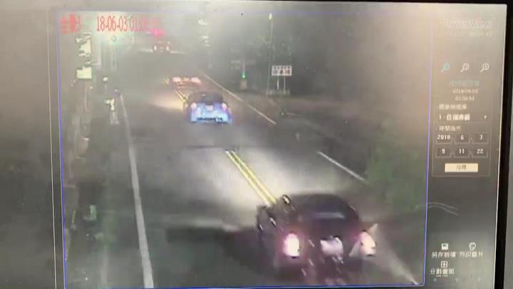 6輛改裝車去年6月3日凌晨在苗栗縣南庄鄉狹窄多彎的山區道路競速狂飆,車速破百還多次超越雙黃線逆向超車。圖/警方提供