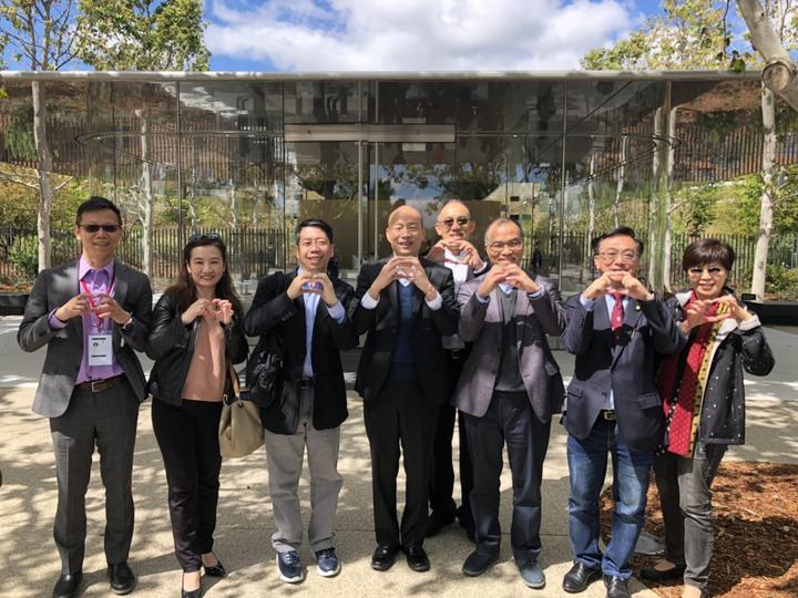 高雄市長韓國瑜訪美行程接近尾聲,美西時間16日上午造訪加州矽谷多家高科技廠商,包括蘋果總部等。圖/高雄市政府提供