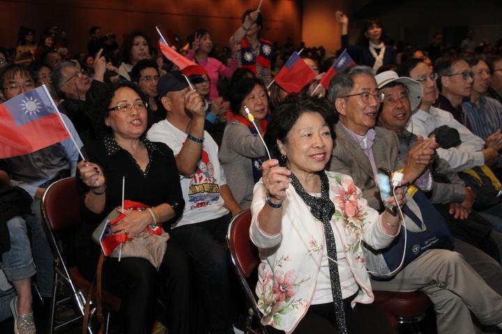高雄市長韓國瑜訪美行壓軸是在舊金山一場3000人演講,僑胞熱情捧場。記者李榮/攝影