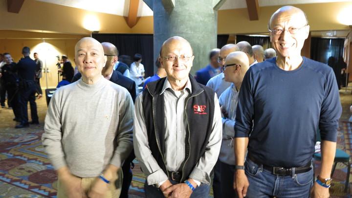 主辦單位在演講會現場選出14名禿頭志願軍陪韓國瑜大進場。記者王慧瑛/攝影