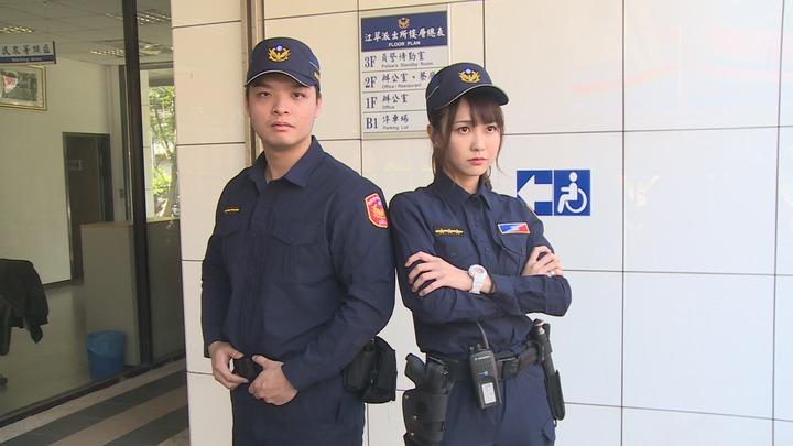 警察新制服以勤務、安全、舒適為考量,設計「專業戰術型」服裝,顏色改為藏青色,夏季便帽採透氣網布製作。記者謝育炘/攝影