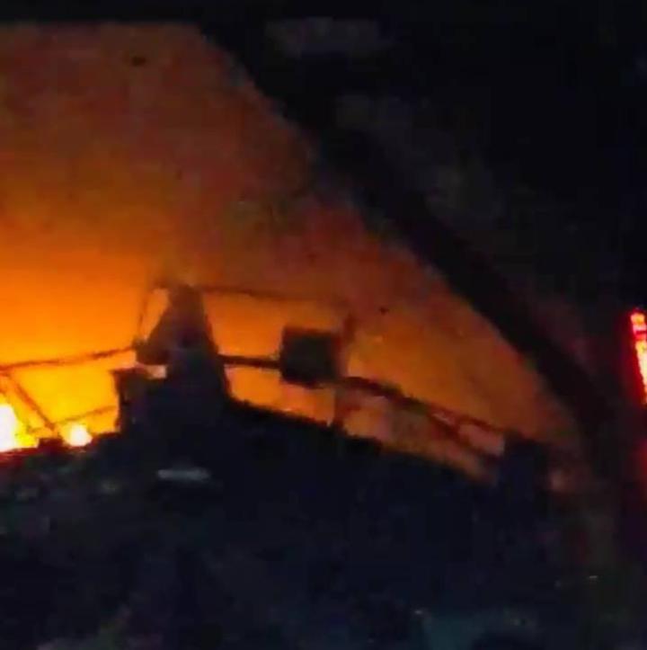 宜蘭縣議員松王淑珍今晚傳出一則影片,指谷風隧道裡火警,質疑是工安氣爆,有人受傷,今晚遭蘇花改工程處否認。圖/取自松王淑珍提供影片