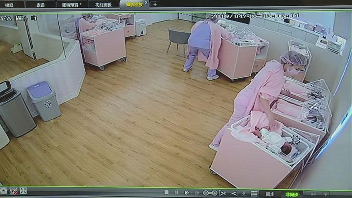 昨天(18日)下午花蓮發生芮氏規模6.1強震,汐止一間產後護理之家的護理師堅守崗位,鎮定用SOP程序保護著新生兒。記者謝育炘/翻攝
