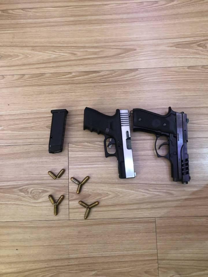 警方查獲40歲陳姓男子擁有2把改造手槍、子彈11顆,將陳男依《槍砲彈藥刀械管制條例》送辦。記者蔡翼謙/翻攝