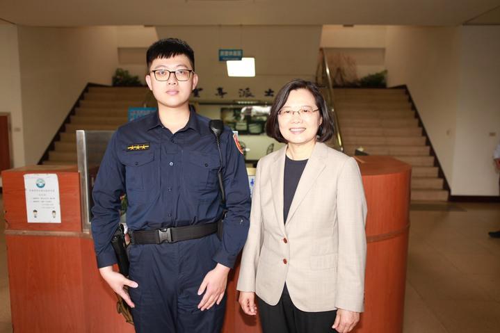 熊戈賢值班遇上總統來訪。記者國樑/翻攝