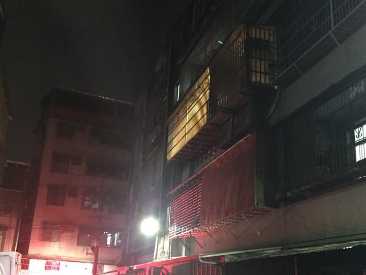 新北市泰山區發生2名孩童陳屍臥房,父親迄今關機、不知去向。記者袁志豪/翻攝