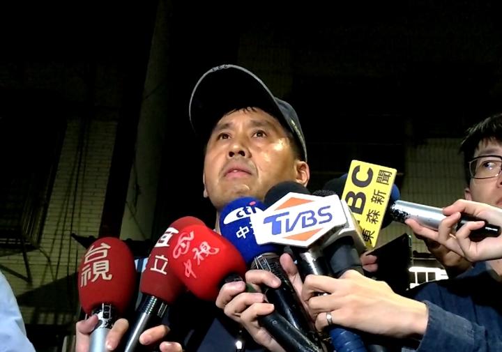 林口警分局偵查隊長許宏銘呼籲孩子的父親出面說明。記者林昭彰/攝影