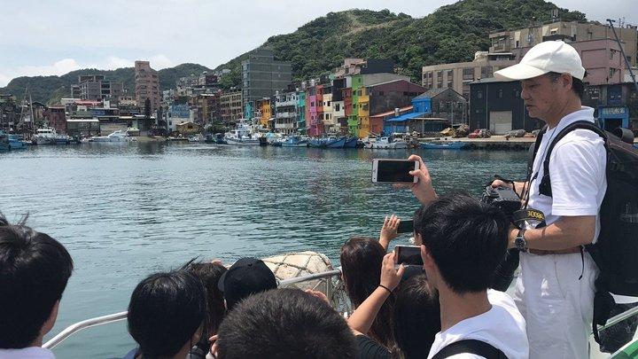 基隆港務分公司正委託做水上計程車可行性研究評估,其中一個停靠點選在正濱漁港卸貨區,引發漁民不安。記者吳淑君/攝影