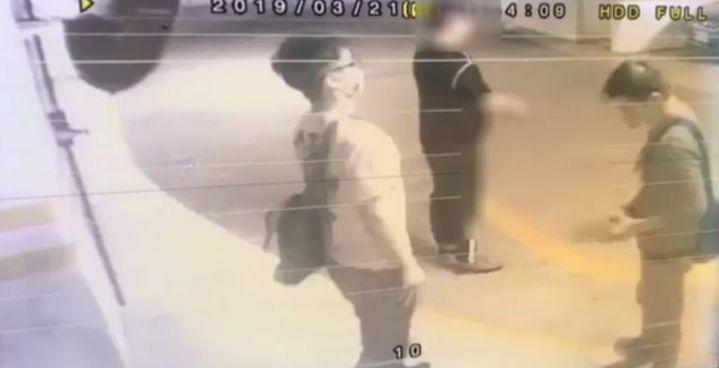 台北市內湖科技園區某生技公司章姓負責人,在公司停車場遭3名男子毆打搶走手提包,歹徒得手1萬多元現金,持被害人信用卡盜刷8萬多元。記者李奕昕/翻攝