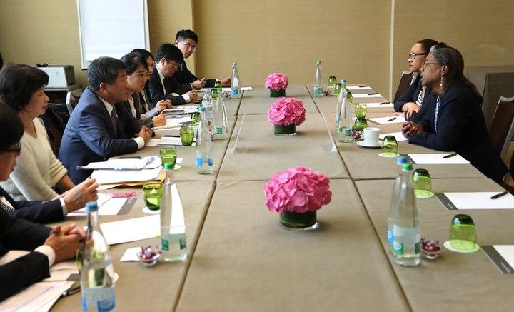 衛福部長陳時中率領的世衛行動團已和友邦聖露西亞進行雙邊會談。 圖/衛福部提供