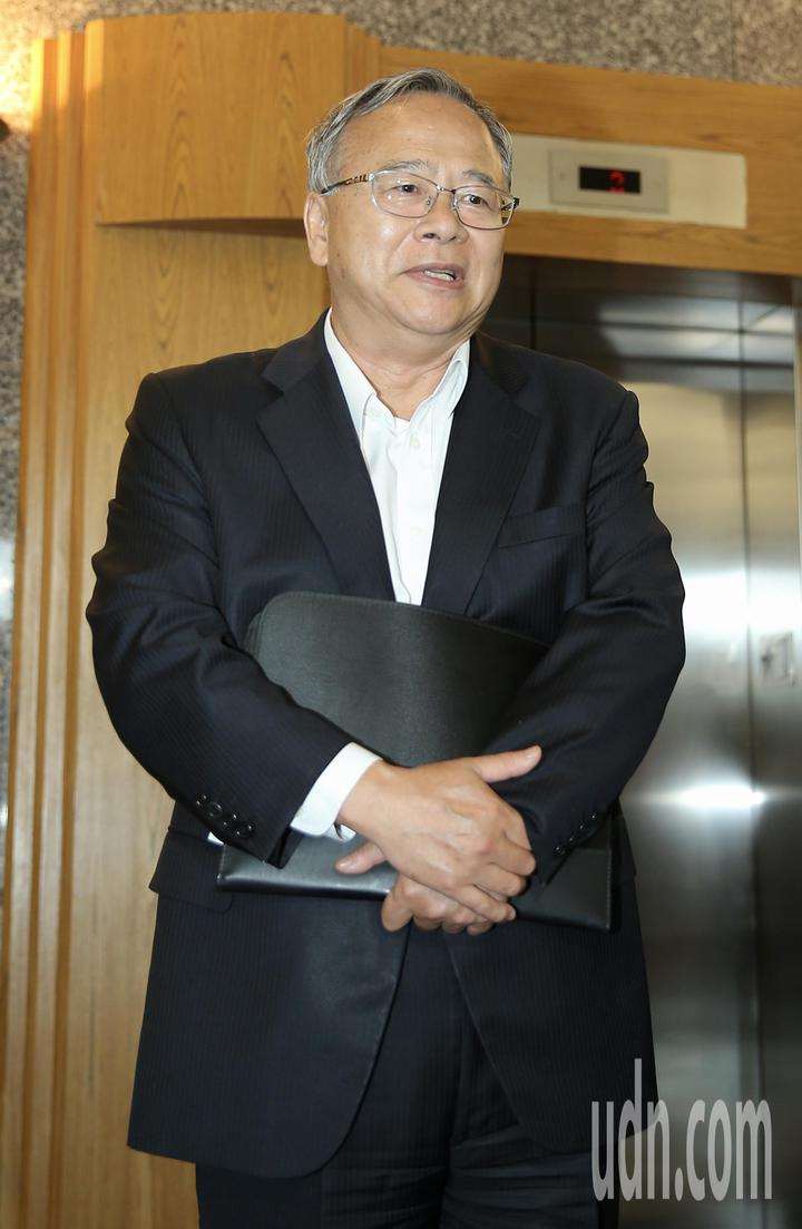 針對遠航無預警取消航班,民航局請來遠航總經理李梓煌(圖)開會討論後續處理。記者許正宏/攝影