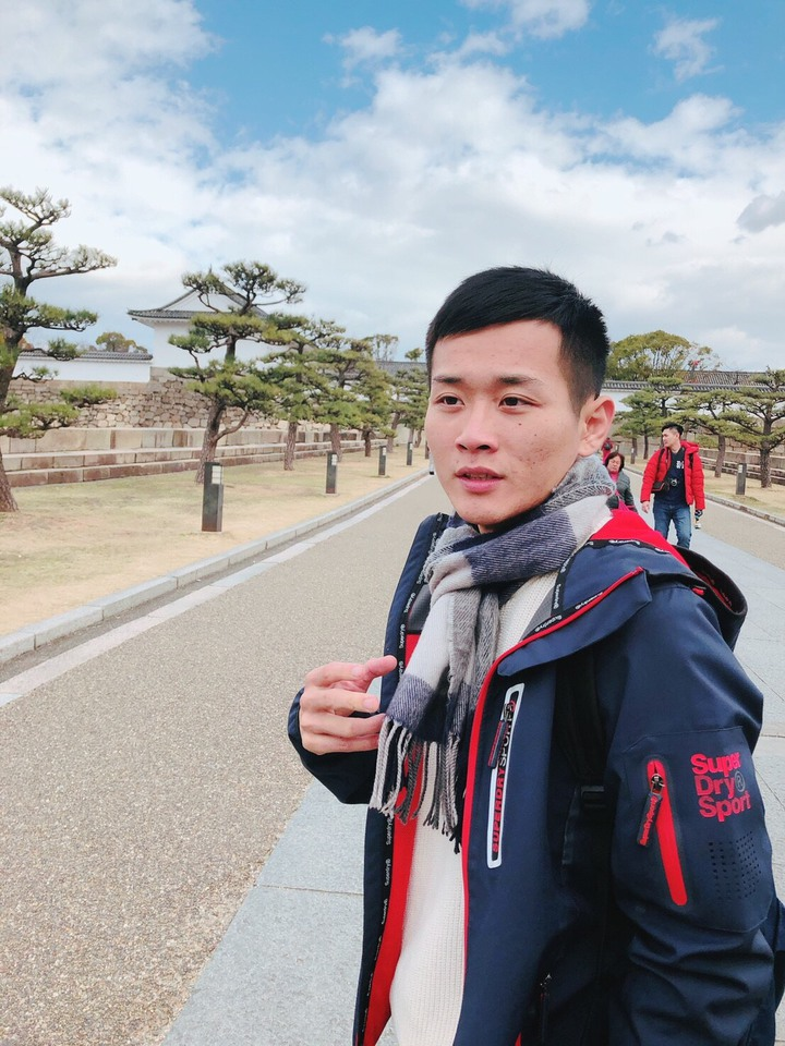 「田中,我愛你」作詞者和演唱者蕭聖諺是田中在地青年,喜歡唱歌和旅遊。照片/蕭家和提供