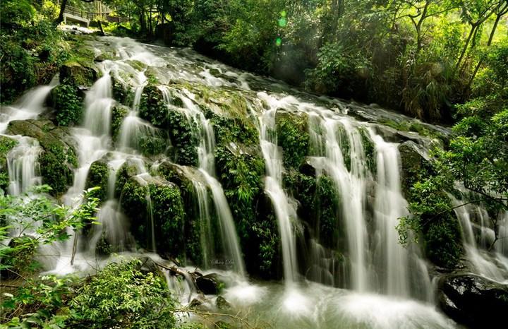 壯麗的阿葉溪飛瀑奇景。圖/陳昶達提供