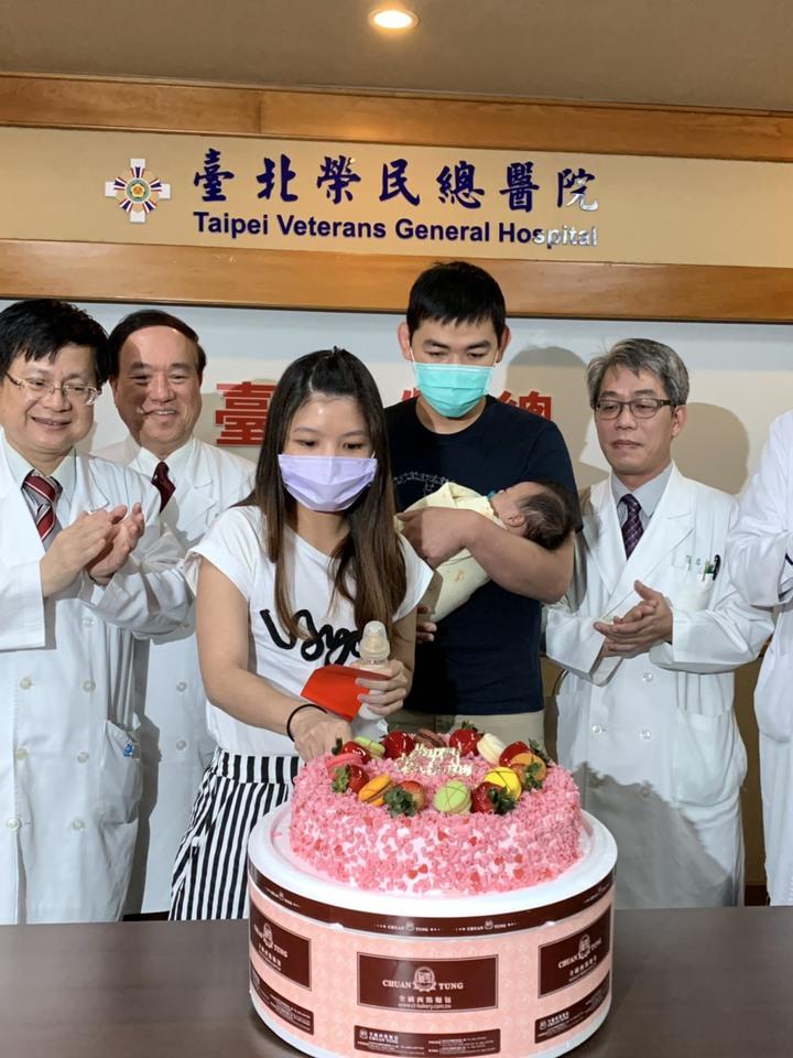 張姓夫妻今天將帶著兒子出院,展開人生。記者陳雨鑫/攝影