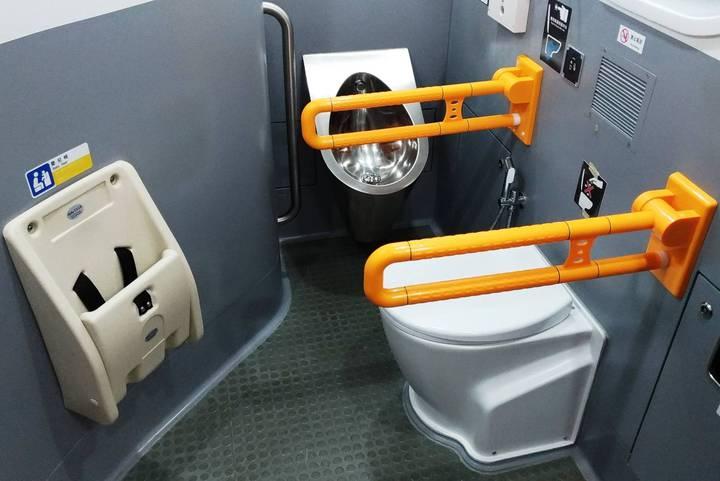 通勤電聯車優化,改善車廂品質。圖/台鐵提供