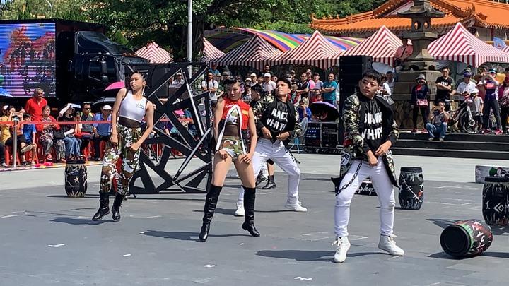 活動首先由國防部藝工隊帶來的舞蹈表演揭開序幕。記者陳斯穎/攝影