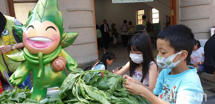 第一屆豐原麻芛文化季活動,今天在豐原火車站旁舊頂街派出所舉辦。記者游振昇/攝影