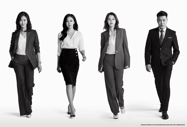 「金裝律師」演員陳熙瓊(左起)、蔡貞安、高聖熙、崔貴華,陣容堅強。圖/東森戲劇台提供