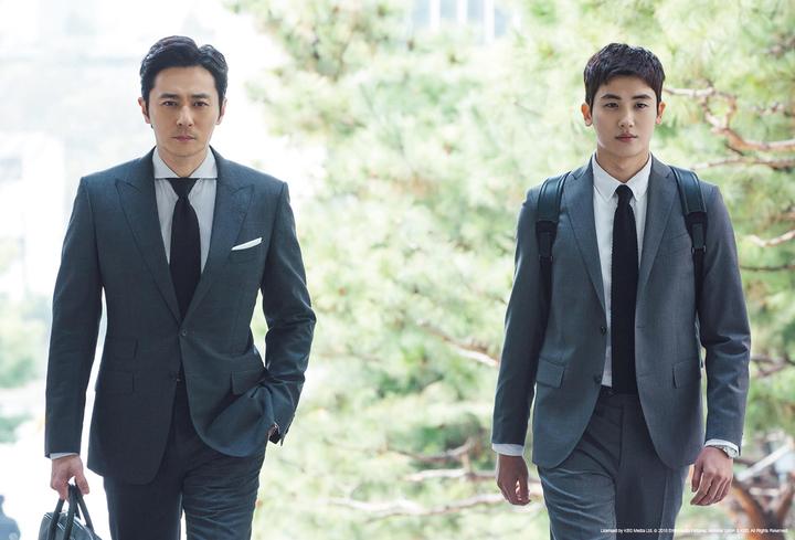 張東健(左)、朴炯植西裝Look帥到逆天。圖/東森戲劇台提供