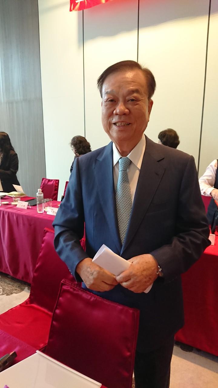皇翔建設董事長廖年吉今在股東會上表示,大台北地區市場都這麼不好了,何況是其他地區,「中南部我不敢去,跟當地八字不合」。 記者陳美玲/攝影