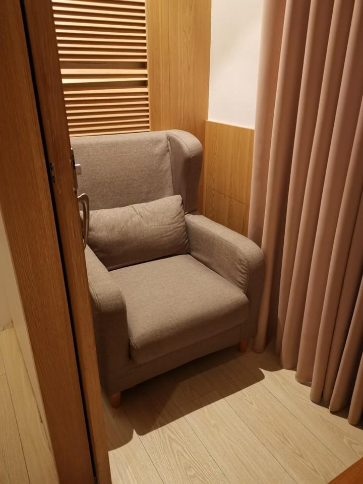 MONEYJUMP還貼心設有育嬰室,空間隱蔽、座椅相當舒適。記者韓化宇/攝影
