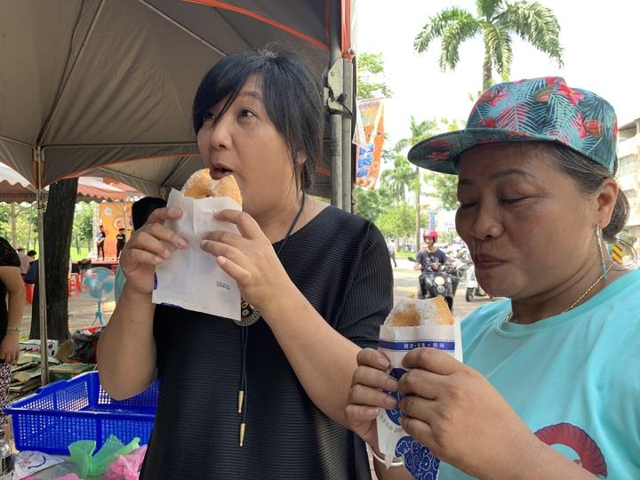 小米甜甜圈深受大家喜愛。記者翁禎霞/攝影