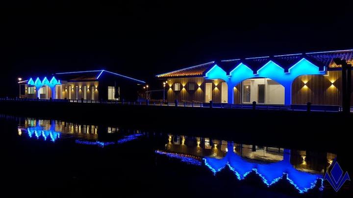 台灣公主布袋國際遊艇港上午熱鬧開幕,搭配夜間燈光營造,打造全台最美遊艇港。圖/公主遊艇公司提供